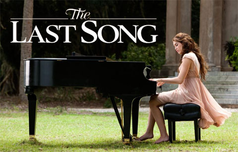 the last song review The last song was panned by critics review aggregation website rotten tomatoes, gives the film an average of 4/10 and a rating of 20% based on 116 reviews.